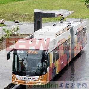ABB开发出无需高架电线的电动公交车15秒闪充技术