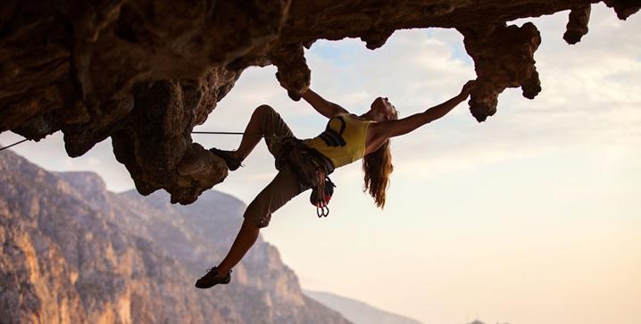 国产运动摄像机品牌攀岩拍摄图