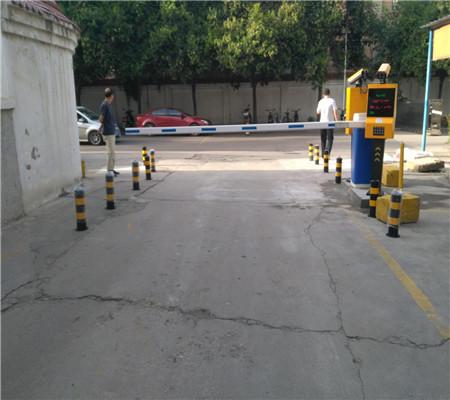 停车场脱机收费道闸机1