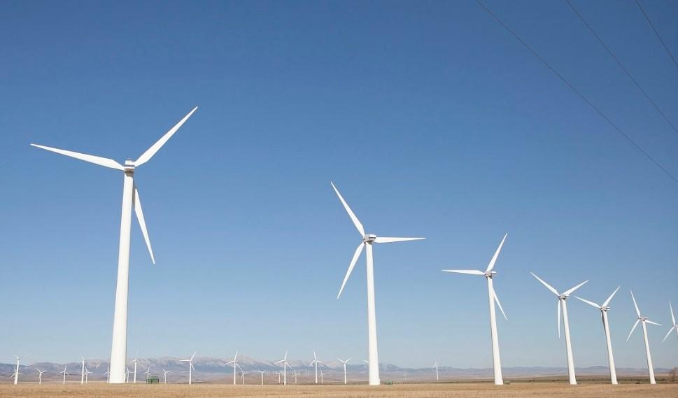 研强工业平板电脑在风电产业中的应用