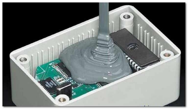 双剂导热灌封胶与传统导热垫片的应用差异