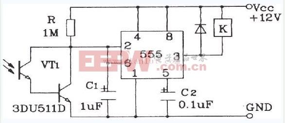 达林顿型光敏三极管灵敏光控开关电路