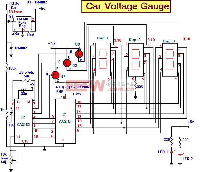 汽车电压计是基于3个部分。输入电路是模拟数字转换器(IC2 CA3162E)。该芯片的目的是采样的模拟电压,并将其转换为十进制值,这是一个显示/译码驱动器(IC1 CA3161E)读取。该芯片将依次七段显示器上通过驱动晶体管Q1 - 第三季度。电源是来自汽车和5伏的稳压器转换至5伏。电路的工作原理如下:10F电容充电,汽车电压。IC2和读取它的值是一个十进制值,电压,IC1的复用三种显示单位提供。每个显示屏上按顺序打开其相应的显示值。通过第三季度的晶体管Q1控制每个七段显示器的驱动器。通过一个准确的万