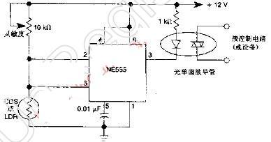 555定时器组成的具有延迟作用的黑暗激活电路