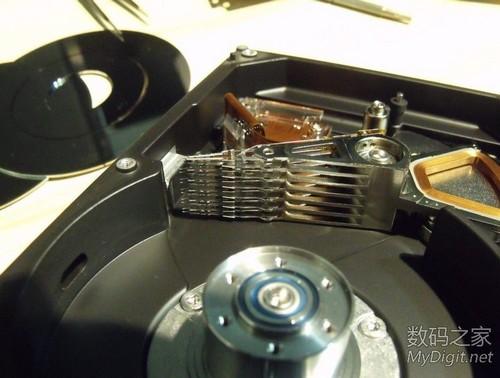 磁头和钕铁硼强磁